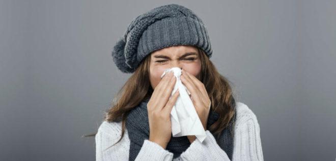 Нос заложен, горло болит – что делать?