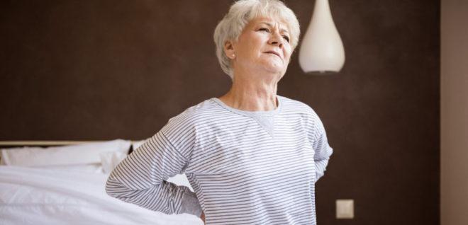 Болит спина: как себе помочь (и как навредить)
